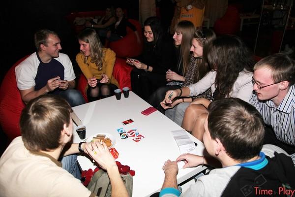 Можно ли играть в карты в антикафе судьбу на картах играть