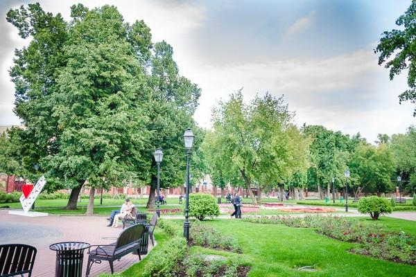 В саду «Эрмитаж»