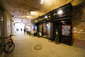 Edward's Pub
