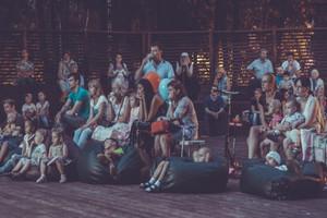 Кинопоказы под открытым небом в Перовском парке