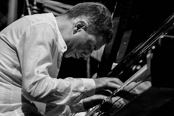 Джаз с армянским акцентом. Артем Лалаян