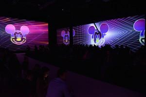 Мультимедийная выставка «Микки Маус 90»