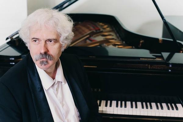 Михаил Лидский (фортепиано)