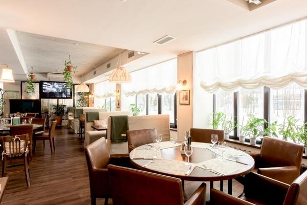 Stroganoff Bar & Grill