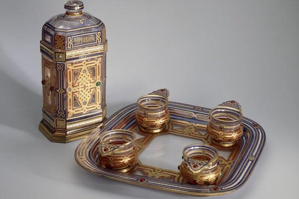 Русское художественное стекло XVII - начала XXI вв.