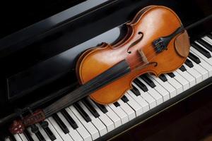 """Шёнберг. Струнный секстет """"Просветленная ночь""""  Брамс. Соната № 2 для скрипки и фортепиано"""