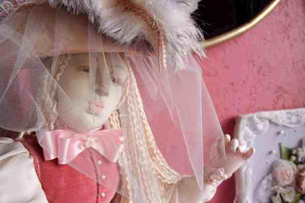 Фривольные куклы.Постоянная экспозиция Музея кукол