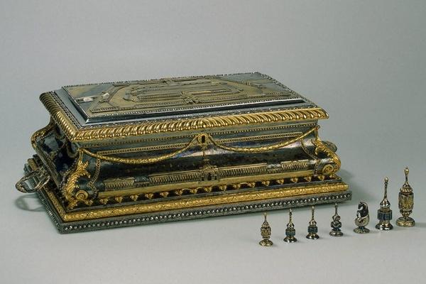 Тульский художественный металл XVIII - XIX вв.Коллекция Эрмитажа