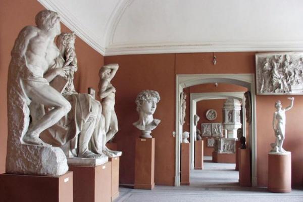 Экспозиция скульптурных слепков