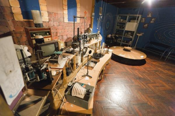 Маятник Фуко в Санкт-Петербургском планетарии