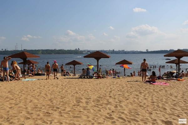 Левобережный пляж