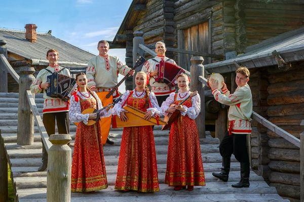 Северный и Волжский русские народные хоры