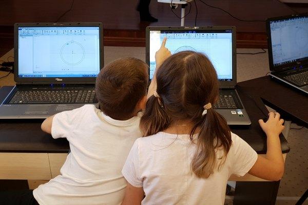 Education Robots на Достоевской