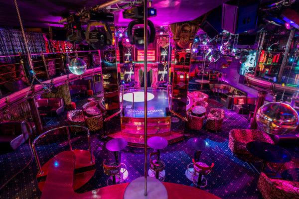 Монте карло клуб москвы барные стойки в ночном клубе