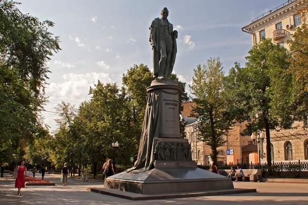 В поисках невесты Ивана Великого по переулкам Чистых прудов