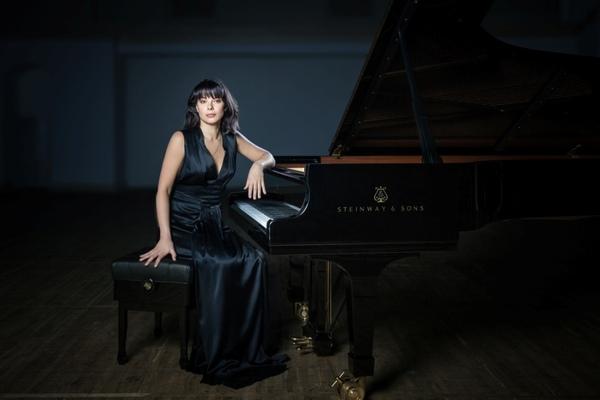 Екатерина Мечетина и Молодежный оркестр. Фортепианный концерт Грига