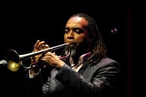 «Джаз из Балтимора». Рональд Бейкер и Филармонический джаз-оркестр РТ