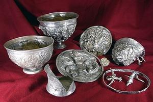 Античное серебро и холодное оружие