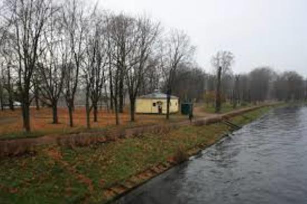 Большой Петровский парк