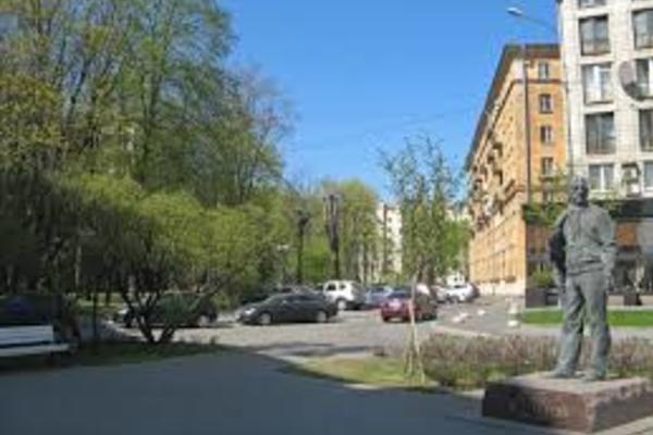 Сквер им. Г. А. Товстоногова