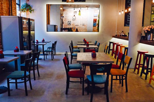 Vinari Bar & Kitchen