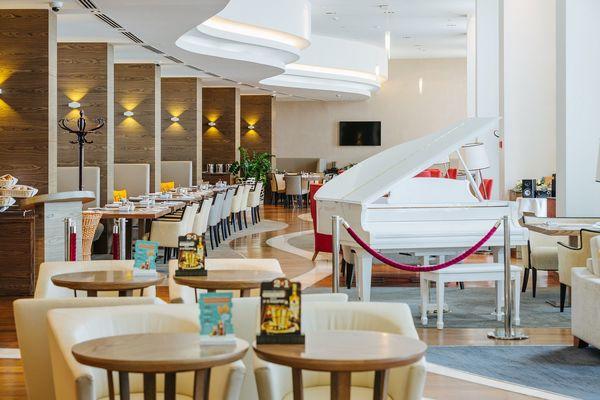 Лобби-бар в отеле Имеретинский