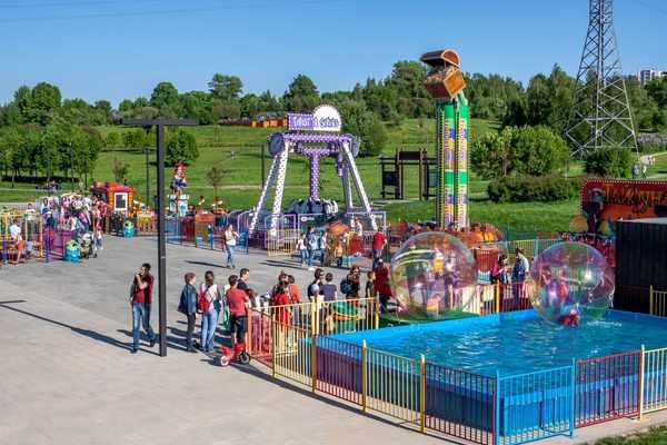 Страна веселья в парке Митино