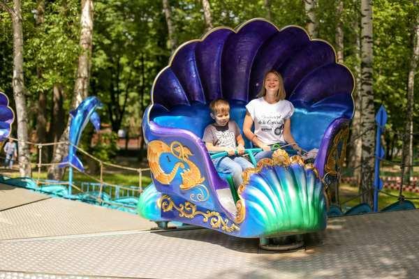 Страна веселья в Перовском парке