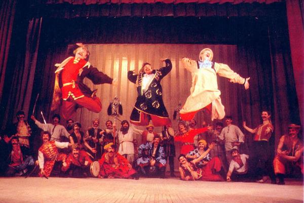 Государственный академический ансамбль песни и пляски донских казаков