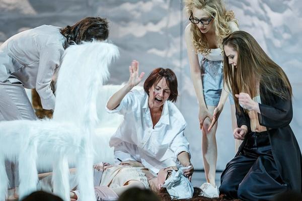 Восемь любящих женщин.Театр драмы им. Ф.Волкова (Ярославль)