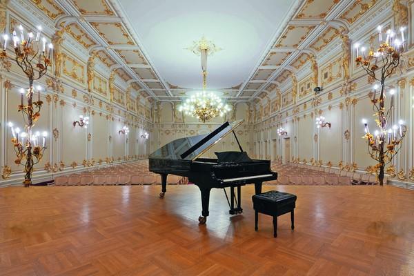 Вечера популярных фортепианных программ. Павел Райкерус