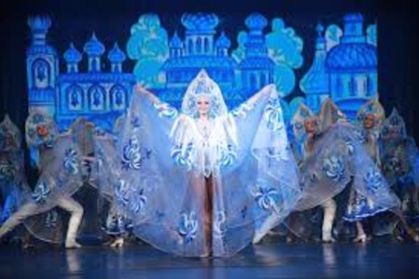 Театры танца «Казаки России» и театр танца «Гжель»