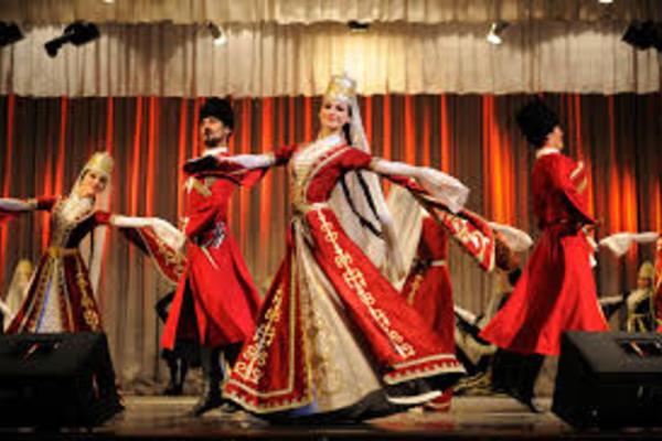 Ансамбль танца Адыгеи «Нальмэс» и хор имени М.Е. Пятницкого