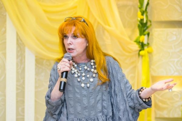 Клара Новикова «Я! — Это — Я!»