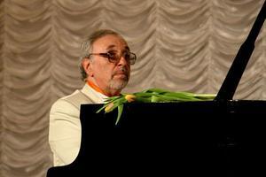 Цикл музыкальных вечеров «Джаз инетолько...». Встреча седьмая. 75-летний юбилей отмечает Виктор Фридман