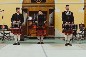 Волынки, ирландские танцы и барабаны