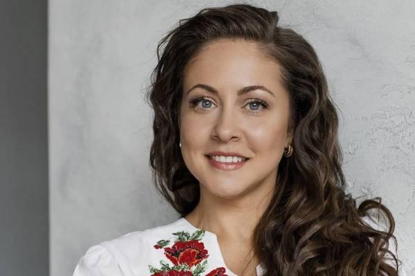 Алена Петровская. Очередь за счастьем