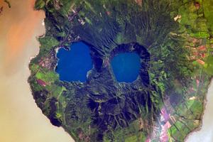 Взгляд сверху. Фотографии российских космонавтов с МКС