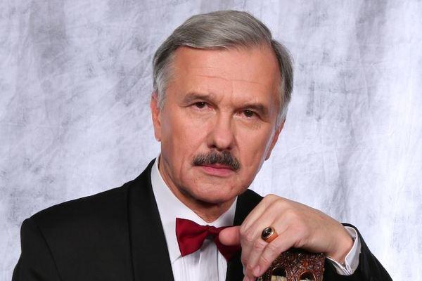 Леонид Серебренников представляет...