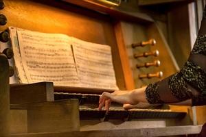 Музыка из воздуха. Рождественский вечер с органом и терменвоксом