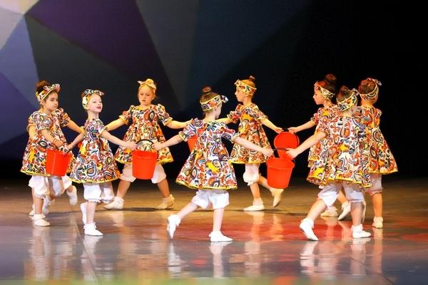 «Весенний праздничный концерт» ансамбля «Москвич»