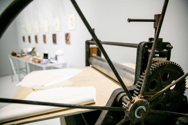 В мастерской художника-печатника