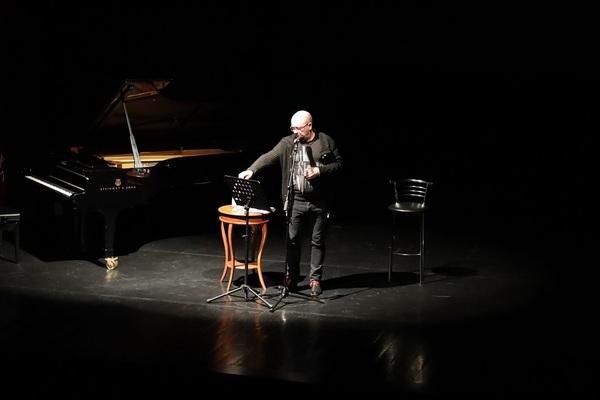 Слава Сэ «Полтора рояля» моноспектакль