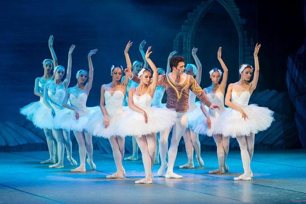 Лебединое озеро: загадки легендарного балета