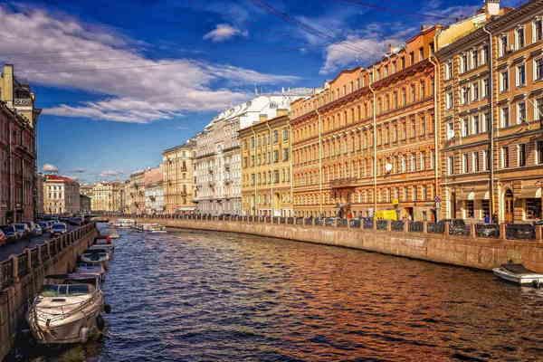 Бриллиантовая улица: истории ювелирных домов Петербурга