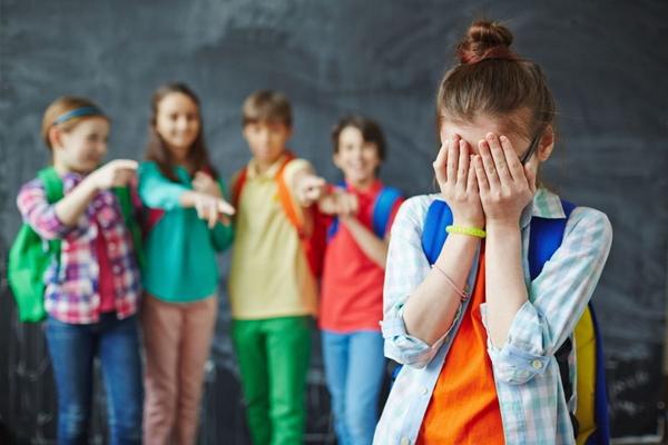 Школьный буллинг: причины и последствия