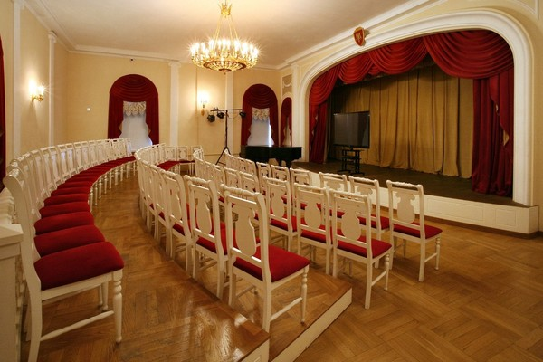 Театрального и музыкального искусства