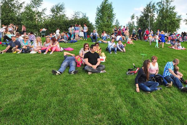 Кино под открытым небом в Перовском парке