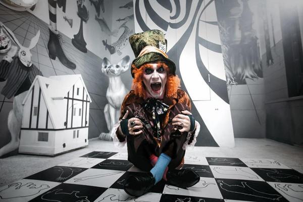 Безумие Алисы