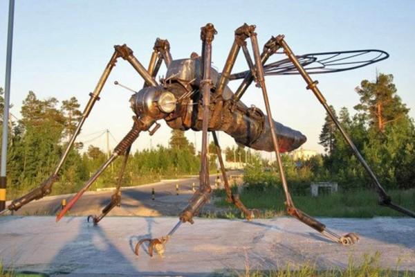 Памятник Комару